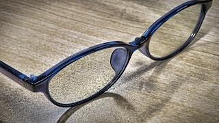ブルーライトカットのメガネ